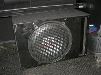 Установка сабвуфера MTX RT12-04 vented box в KIA Sorento II (XM)