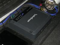 Установка усилителя Rockford Fosgate R500X1D в Lada Largus