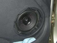 Установка акустики Morel Maximo Coax 5 в Renault Sandero