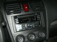 Фотография установки магнитолы Alpine CDE-W233R в Subaru XV