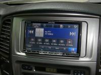 Фотография установки магнитолы Alpine INE-W977BT в Toyota Land Cruiser 100