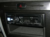 Фотография установки магнитолы Alpine CDE-182R в Chevrolet Lacetti