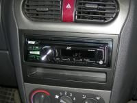 Фотография установки магнитолы JVC KD-R751E в Opel Corsa