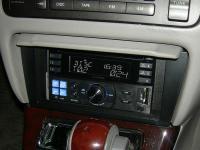 Фотография установки магнитолы Alpine CDE-W233R в Toyota Crown