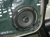 Установка акустики Focal Performance PC 165 в Mercedes C class