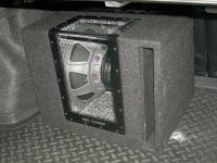 Установка сабвуфера Alpine SBG-1244BP в Toyota Corolla X