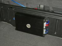 Установка усилителя DLS XM10 в KIA Sorento II (XM FL)
