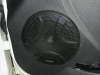 Установка акустики Hertz DSK 165.3 в Lada Granta