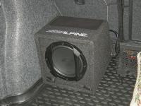 Установка сабвуфера Alpine SWE-815 в Skoda Octavia (A7)