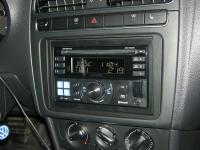 Фотография установки магнитолы Alpine CDE-W235BT в Volkswagen Polo V