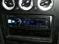 Фотография установки магнитолы Alpine CDE-185BT в Ford Mondeo
