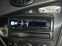 Фотография установки магнитолы Alpine CDE-185BT в Ford Focus