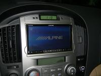Фотография установки магнитолы Alpine INE-W977BT в Hyundai Grand Starex