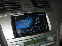 Фотография установки магнитолы Pioneer AVH-X4600DVD в Toyota Camry V40
