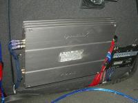 Установка усилителя Helix DB FOUR в KIA Cerato III (YD)
