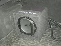 Установка сабвуфера Alpine SWE-815 в Ford Focus 3
