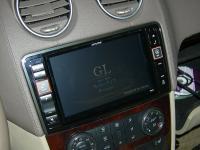 Фотография установки магнитолы Alpine X800D-ML в Mercedes GL (X164)