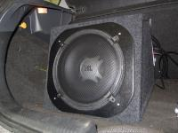 Установка сабвуфера JBL GT5-12 в Ford Focus