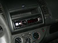 Фотография установки магнитолы Alpine CDE-185BT в Nissan Note