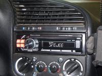 Фотография установки магнитолы Alpine CDE-111RM в BMW 3 (E36)