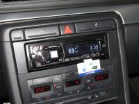 Фотография установки магнитолы Alpine CDE-175R в Audi A4 (B7)