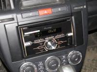 Фотография установки магнитолы Pioneer FH-X720BT в Land Rover Freelander 2