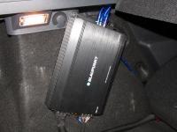 Установка усилителя Blaupunkt EMA 455 в Renault Sandero