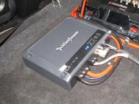 Установка усилителя Rockford Fosgate R500X1D в Honda Civic 5D