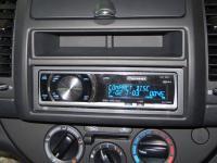 Фотография установки магнитолы Pioneer DEH-P6000UB в Nissan Note