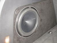 Установка сабвуфера Hertz HX 300D в Volkswagen Touareg