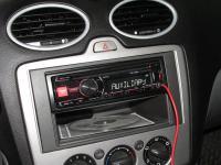 Фотография установки магнитолы Alpine CDE-180RR в Ford Focus 2
