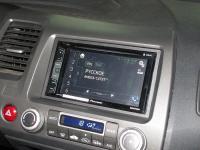 Фотография установки магнитолы Pioneer AVH-X2700BT в Honda Civic 4D
