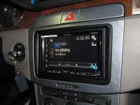 Фотография установки магнитолы Pioneer AVH-X8600BT в Volkswagen Passat B6
