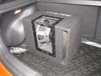 Установка сабвуфера Alpine SBG-1244BP в Hyundai Solaris