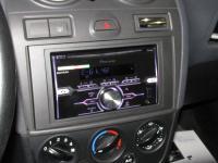 Фотография установки магнитолы Pioneer FH-X720BT в Ford Fiesta