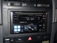 Фотография установки магнитолы Alpine CDE-W203Ri в Volkswagen Touareg
