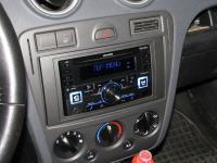 Фотография установки магнитолы Alpine CDE-W296BT в Ford Fusion