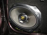 Установка акустики Pioneer TS-E6902i в Nissan Navara