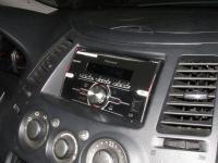 Фотография установки магнитолы Pioneer FH-X380UB в Mitsubishi Grandis