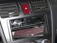 Фотография установки магнитолы Pioneer DEH-80PRS в Subaru XV