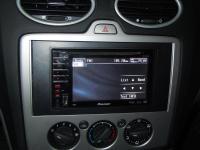 Фотография установки магнитолы Pioneer AVH-P3100DVD в Ford Focus 2
