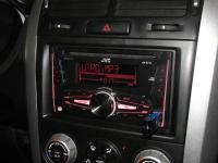 Фотография установки магнитолы JVC KW-R710E в Suzuki Grand Vitara