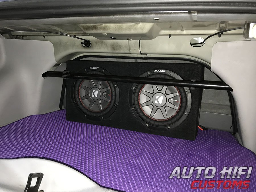 Установка сабвуфера Kicker 43CWRT101 в Chrysler PT Cruiser Convertable