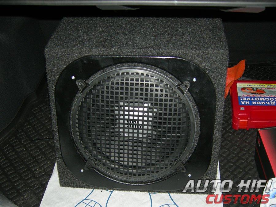 Установка сабвуфера JBL GT5-12 box в Hyundai Solaris